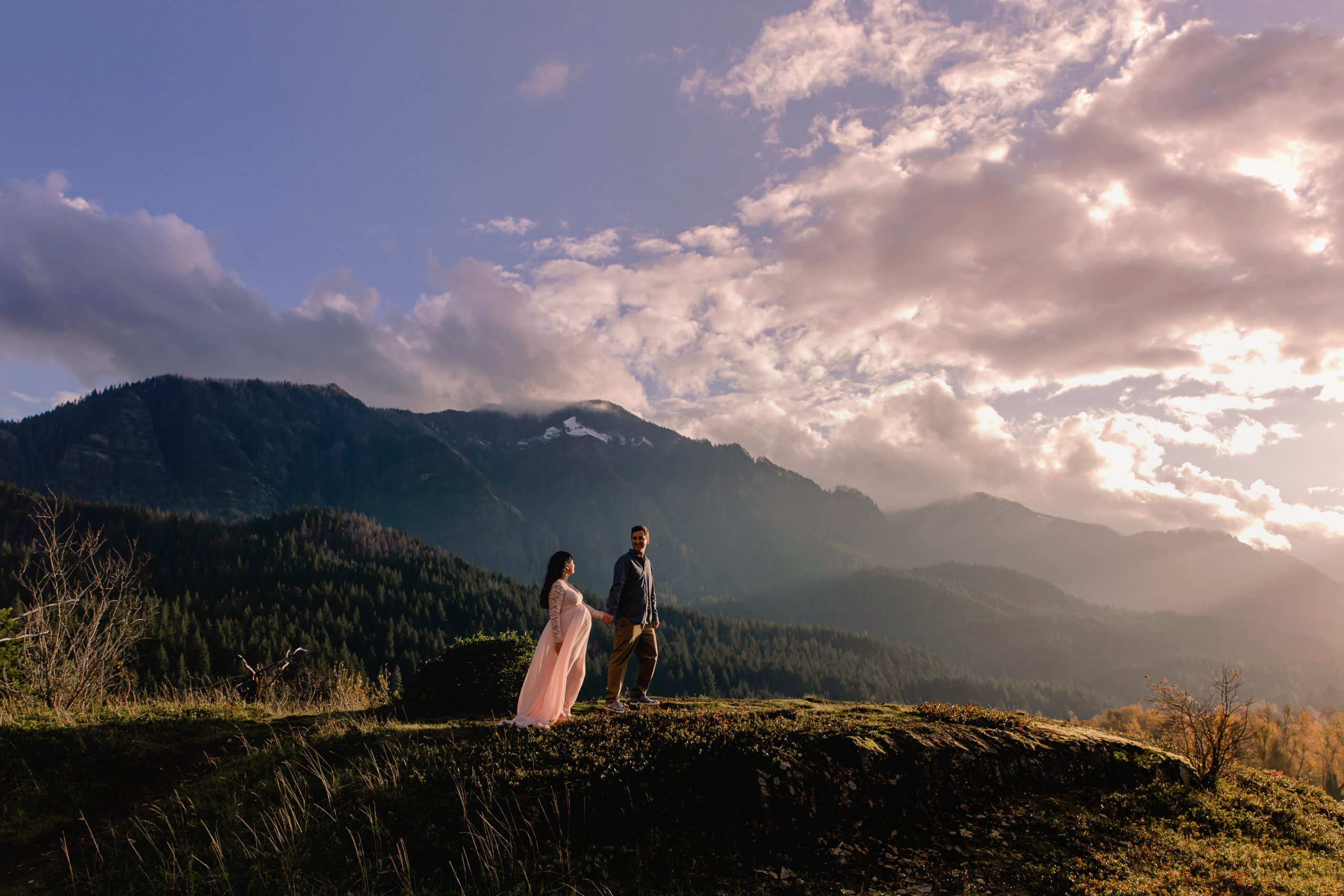 Magical Adventure Maternity Session in the Columbia River Gorge Oregon with Photographer Annie Helen