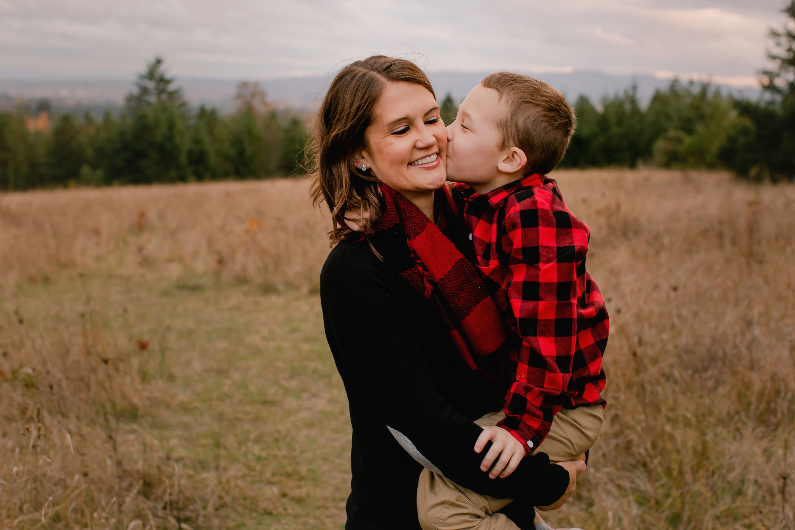 Family Adventure at Cooper Mountain Nature Park in Beaverton Oregon by Portrait Photographer Annie Helen