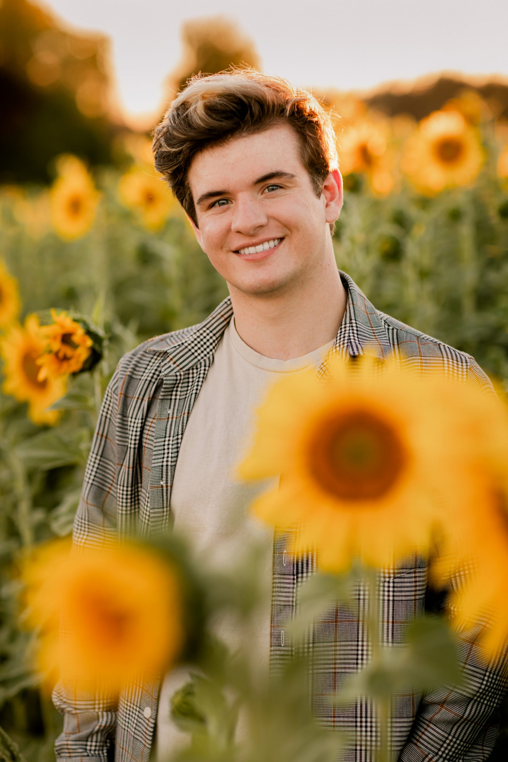 Senior Portraits at West Union sunflower field with Photographer Annie Helen