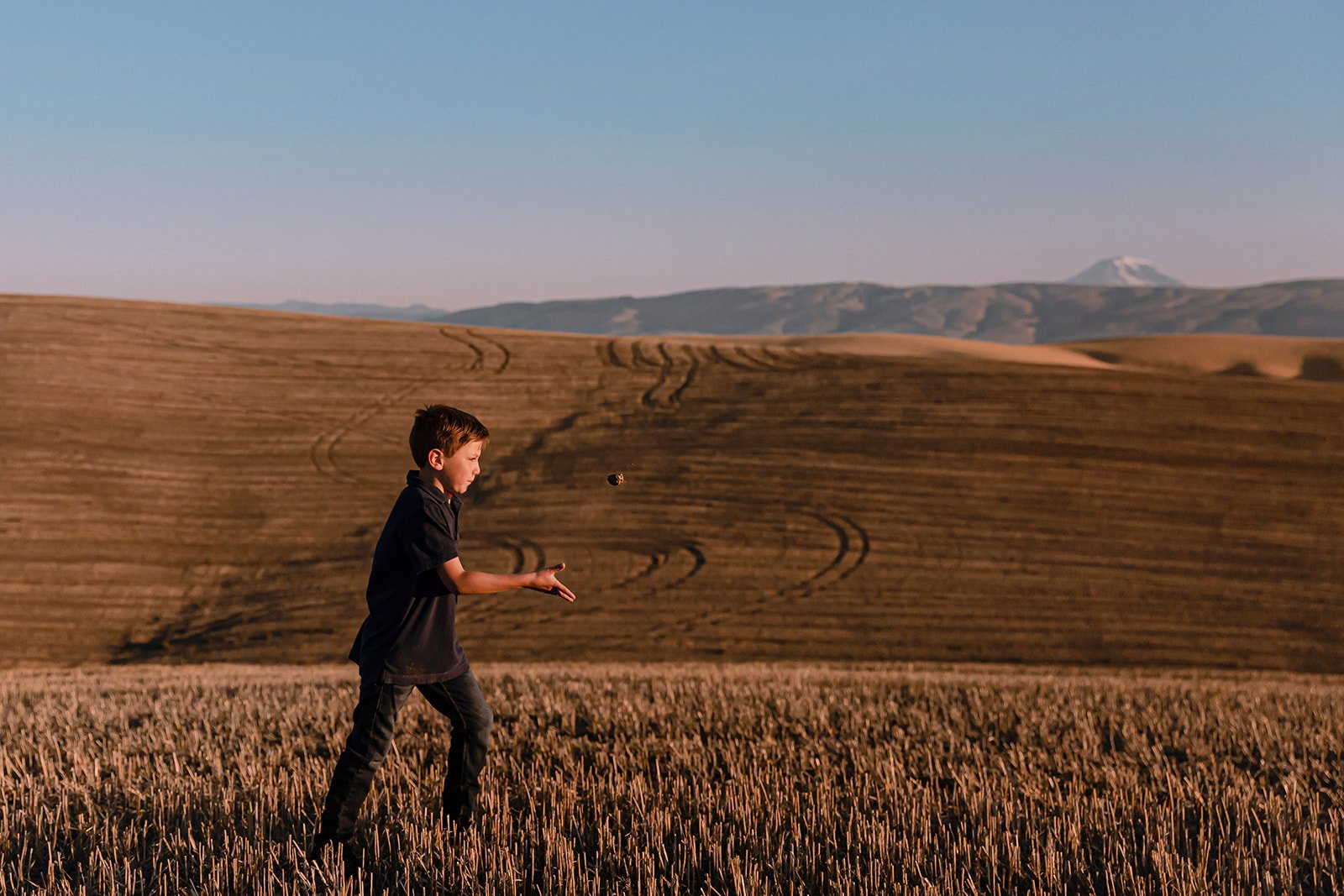 The Dalles Oregon Sunrise Family Session with Vacation Photographer Annie Helen